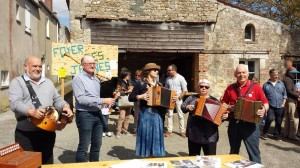 2016-05-15 VIDE GRENIER DU FOYER RURAL
